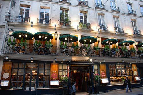 Lãng mạn cà phê hè phố ở Paris