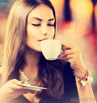 Phụ nữ và cà phê