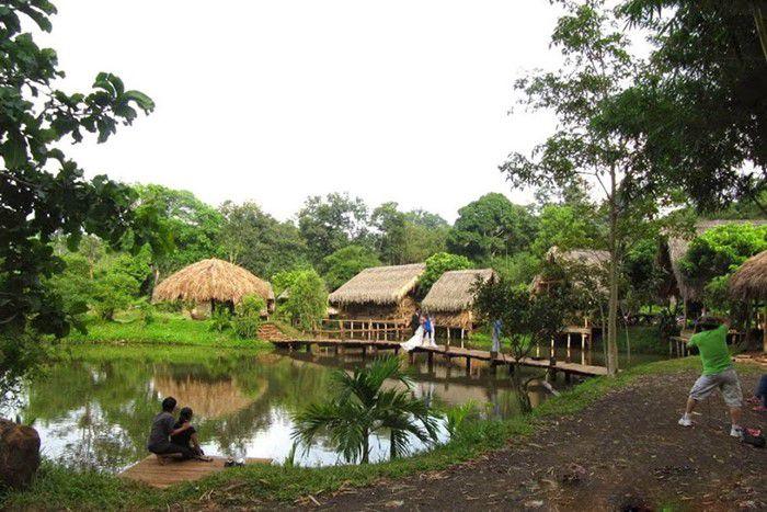 Buôn Ako Dhong (Còn có tên khác là Cô Thôn)